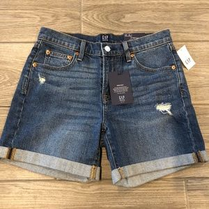 """GAP 5"""" Denim Cuffed Shorts - Mid Rise - Size 26"""